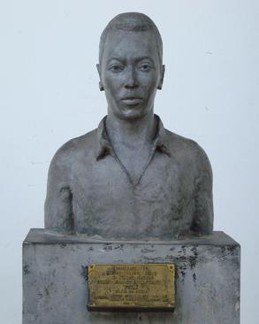 Busto Pelé